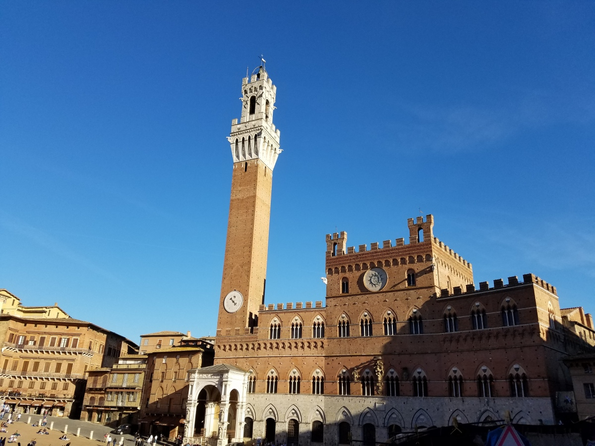 A Walking Tour of Siena, Italy